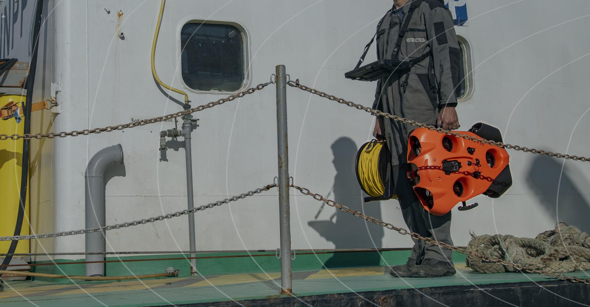 Rov-offshore-pour-tous-vos-travaux-en-mer-Drone-aquatique-Seasam-De-Notilo-Plus